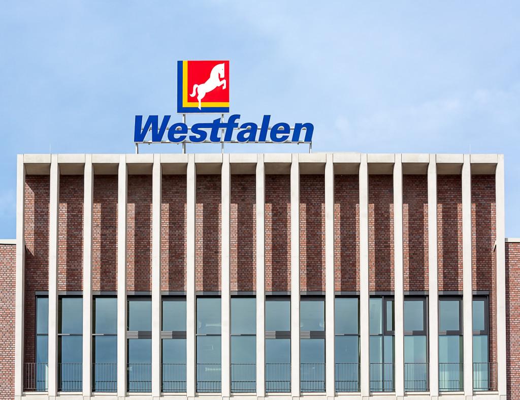Das auf dem Westfalen Tower angebrachte Logo ist weithin sichtbar