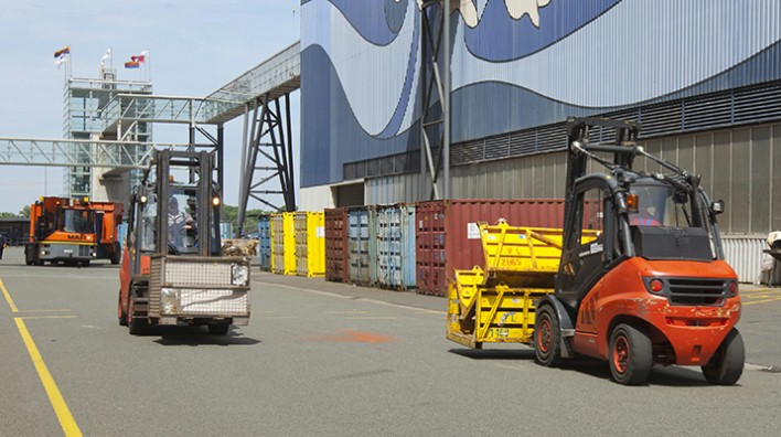 Die Gabeslstapler der Meyer Werft werden mit Treibgas der Westfalen Gruppe betrieben