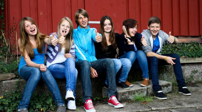 Juli 2011 Teenager vor der Htte
